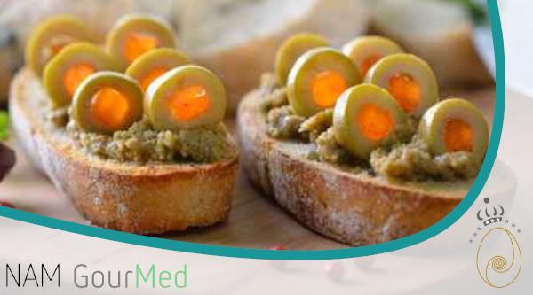 Oliven Aufstrich mit Mandarinen und Kalzit